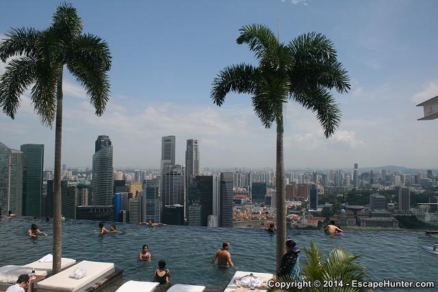 Singapore 39 s skyline from the marina bay sands hotel 39 s rooftop - Singapur skyline pool ...